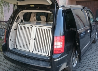 Box4Dogs přepravní klec do auta - Chrysler Grand Voyager