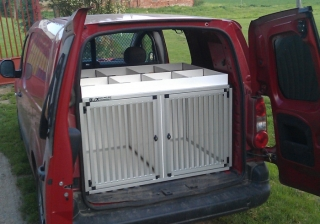 Box4Dogs přepravní klec do auta - Citroen Berlingo